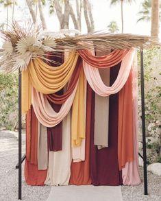 Arche - Ceremonie : Drapés et fleurs séchées  #Arche #Ceremonie