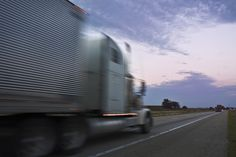 U.S. experiences 3.6-percent increase in commercial trucks crossing borders in 2012 | Better Roads