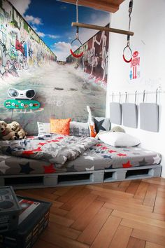in Yves Zimmer lässts sich gut chillen, oder ganz wild auf dem Bett turnen...