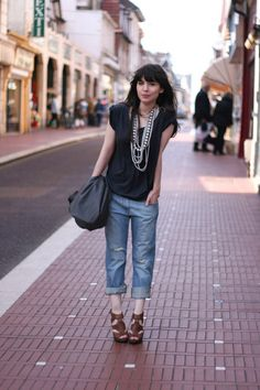 boyfriend jeans and Pearls!