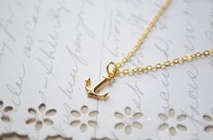 Anchor Necklace *background/canvas details