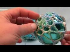 How To Crochet Thread Christmas Balls - Video Tutorial.  Great for the hot air balloon ornament I want to do!