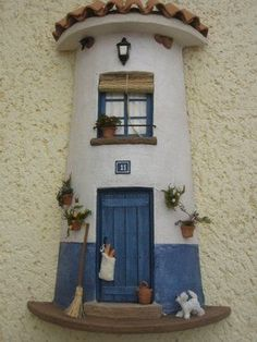Risultati immagini per tejas decoradas cocinas Clay Houses, Ceramic Houses, Miniature Houses, Stone Houses, Clay Flower Pots, Clay Pots, Tile Crafts, Clay Fairies, Clay Tiles