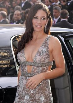 Evangeline Lilly - Most Beautiful Girls Beautiful Celebrities, Beautiful Actresses, Gorgeous Women, Nicole Evangeline Lilly, Canadian Actresses, Kate Beckinsale, Blond, Celebrity Style, Hollywood