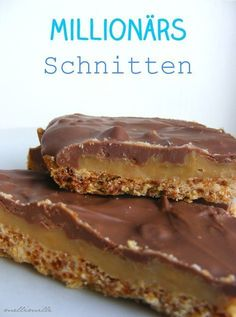 "Als ich dieses Rezept sah, stellte sich mir sofort die Frage: ""Warum heiß. When I saw this recipe, the question immediately came to me: ""Why is the millionaire's cut really called a millionaire Beer Recipes, Easy Cake Recipes, Baking Recipes, Cookie Recipes, Dessert Recipes, Party Desserts, Healthy Breakfast Smoothies, New Cake, Food Cakes"