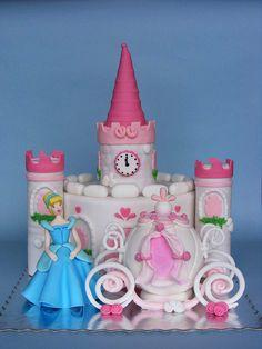love the Cinderella cake