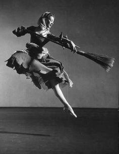 z- Moira Shearer- 'Cinderella'