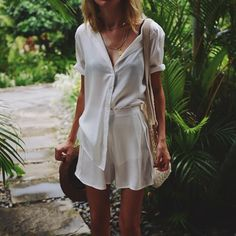"Com "" beige outfit, boho hippie, tucked in shirt outfi Best Street Style, Street Style Outfits, Beige Outfit, Look Fashion, Fashion Beauty, Womens Fashion, Mode Style, Style Me, Pretty Outfits"