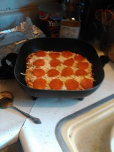 Over 40 Motherhood: Electric Skillet Pizza