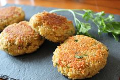 Couscous patties with cheese - kindergarten - Sandwich Raw Food Recipes, Vegetarian Recipes, Dinner Recipes, Empanadas, Dinner Sandwiches, Salad Ingredients, Meatball Recipes, Sandwich Recipes, Vegetable Dishes