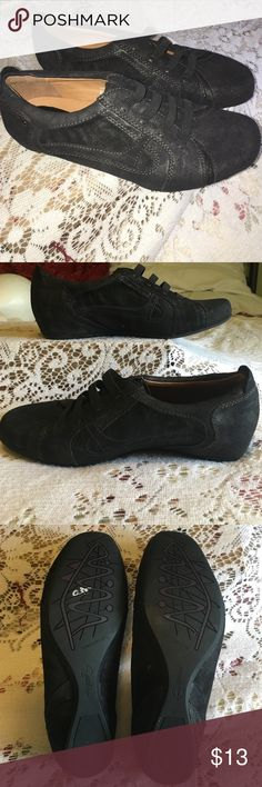 💖Earthies Ronda Oxfords 8.5B💖 Black pearlized suede leather oxfords. Size 8.5B. Excellent, like new condition. Earthies Shoes Flats & Loafers