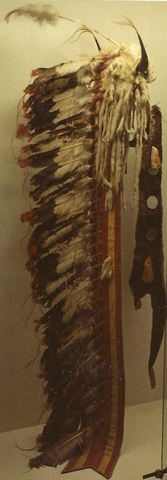Horn bonnet with trailer. Cheyenne late 19th century. Southwest Museum