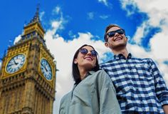 Una foto espectacular en el Big Ben, en un día soleado por la calles de Londres.