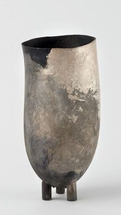 From Caroline Van Hoek, Peter Bauhuis, Simultanea Object Fine silver, silver × × cm Ceramic Pinch Pots, Copper Vessel, Raku Pottery, Ceramic Teapots, Metal Bowl, Art Object, Wabi Sabi, Artist Art, Sculpture Art