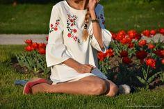 19.4.2017-Embroidered-white-dress - embroidered-white-dress8.jpg #fetishpantyhose #pantyhosefetish #legs #heels #blogger #stiletto #pantyhose #collant #tan
