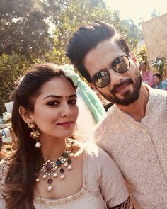 Shahid kapoor and mira rajput twinning in ethnic outfits is the most adorable thing you will see today Bollywood Couples, Bollywood Stars, Bollywood Celebrities, Bollywood Images, Shahid Kapoor Wedding, Coaching, Mira Rajput, Cute Love Images, Indian Wedding Hairstyles