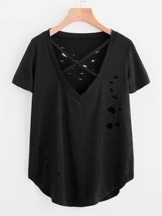 Camiseta rota escote V con tiras cruzadas