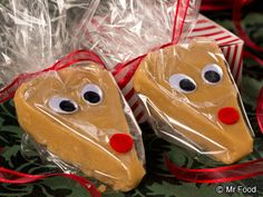 Reindeer Fudge  - Whether you're looking for a homemade Christmas gift or need a fun holiday recipe that kids and adults will both love, this Reindeer Fudge is absolutely a winner!