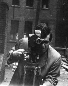 "Stanley Kubrick on the set of ""Killer Kiss"""