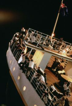 Titanic Rose, Real Titanic, Titanic Sinking, Titanic Ship, Leonardo Dicaprio, Good Movies, Great Films, Titanic Movie Facts, Somewhere In Time
