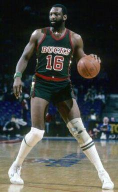Bob Lanier. Played 14 seasons for Detroit and Milwaukee.