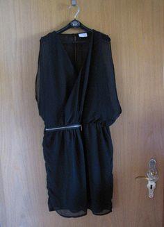 Kaufe meinen Artikel bei #Kleiderkreisel http://www.kleiderkreisel.de/damenmode/kurze-kleider/137398164-kleine-schwarze-in-grosse-s-von-vila