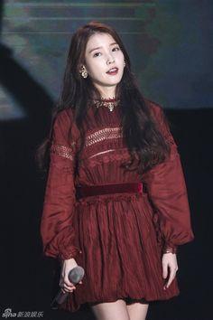 Korean Star, Korean Girl, Asian Girl, Kpop Fashion, Korean Fashion, Fashion Outfits, Korean Actresses, Stage Outfits, Korean Celebrities
