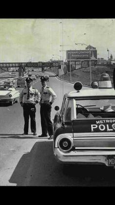 Ford Galaxy & Officers