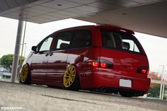 If Ronald McDonald was into slammed vans this is probably what he would be driving. Toyota Van, Toyota Supra, Vip Japan, Toyota Previa, Honda Civic Si, Mitsubishi Lancer Evolution, Honda S2000, Nissan 350z, Ford Explorer