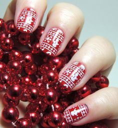 Christmas sweater nails - Christmas Nails - Festive Nails - MoYou - Festive Collection 04 - Stamping