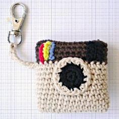 Ravelry: Camera key chain pattern by Judit Guillen