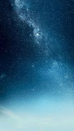 an amazing picture of a galaxy and milkyway
