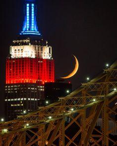 Empire State Building by @maximusupinnyc #newyorkcityfeelings #nyc #newyork