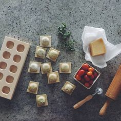 Can't decide what to make for dinner? Prep some cheesy ravioli for tonight + freeze extra for the week! Shop our new Maple Wood Ravioli Tray + get the recipe via our profile link. Photo: @kenanhill  #wsglobalflavor #sundaysupper #MadeinUSA