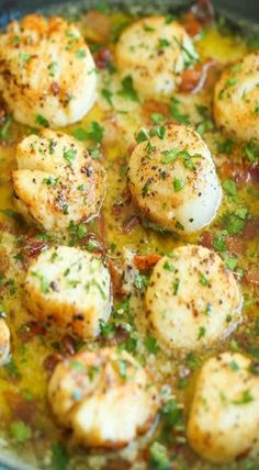 Bacon Scallops with Garlic Butter Sauce - DAMN DELICIOUS !Crisp bacon, tender-melt-in-your mouth scallops with the most heavenly butter sauce. So fancy yet so easy! Fish Dishes, Seafood Dishes, Main Dishes, Seafood Pasta, Clam Pasta, Shrimp Meals, Seafood Platter, Fish Recipes, Seafood Recipes