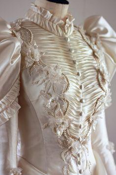My Angelic Daydream Tea & milk — Late Century Wedding Dress<br> Vestidos Vintage, Vintage Gowns, Vintage Outfits, Dress Vintage, Vintage Lace, Old Fashion Dresses, Old Dresses, Wedding Dress Tumblr, Wedding Dresses