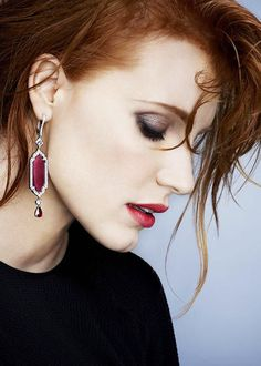 http://www.fashionnewswebsites.com/category/earrings-for-women/ catherinedeneuves: Jessica Chastain for Piaget