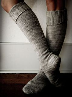 I want to knit socks! //Whit's Knits: Little Cable Knee Highs - Knitting Crochet Sewing Crafts Patterns and Ideas! - the purl bee Purl Bee, Crochet Socks, Knitting Socks, Knit Crochet, Crochet Granny, Knitted Slippers, Knitted Socks Free Pattern, Crochet Style, Crochet Baby