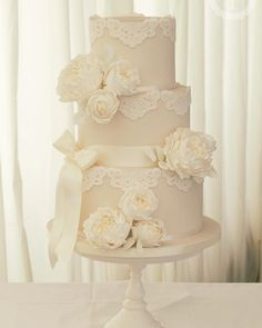 Ivory peonies wedding cake is so elegant & classy #weddingcake #ivory #wedding #cakes