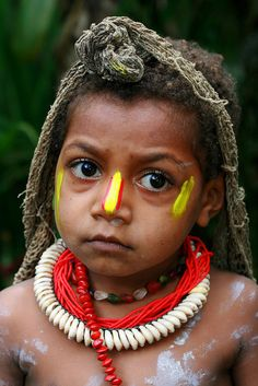 Child from Papua New Guinea פפואה גינאה החדשה  www.papua-by-raz.co.il/papua