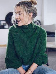 emerald green turtleneck sweater