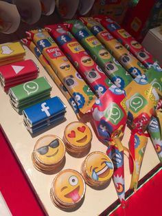 Social Networks / Redes Sociales Birthday Party Ideas | Photo 7 of 16