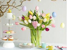 #pâques #couleurs #oeufs #table #fleurs #vase