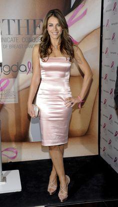 Elizabeth Hurley Source by Dresses For Teens, Trendy Dresses, Tight Dresses, Nice Dresses, Short Dresses, Prom Dresses, Elizabeth Hurley, Elizabeth Jane, Pink Satin Dress
