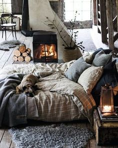Thursday mood #feeling #mood #cozy #winter #interior #interiør #interiordecoration #fireplace #bed #beddecor #bedroom #linens #layers #candlelight #rain #fog #cold #babyitscoldoutside #homestyle #homedecor #decor #decoration #grey #greys #stylish #vscocam #lightinspired #wood