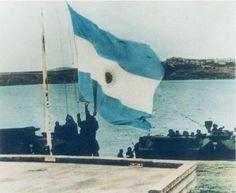 Imagenes de la Operación Rosario, recuperación de Malvinas. Http://www.subeimagenes.com/img/23660-110192765663922-100000195986065-253935-458153-n-220927.jpg. Luego de casi 150 años de usurpación británica, vuelve a flamear una bandera argentina en...