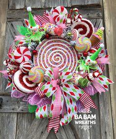 BaBamWreaths on Etsy Candy Land Christmas, Christmas Mesh Wreaths, Pink Christmas, Christmas Tree Decorations, Christmas Holidays, Christmas Crafts, Christmas Ornaments, Winter Wreaths, Christmas Centerpieces