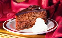 Café Sacher is located within the Hotel Sacher in Vienna's city center and is a great place to experience the typical Viennese coffeehouse atmosphere. Treat yourself to an Original Sacher-Torte and an Original Sacher Café!
