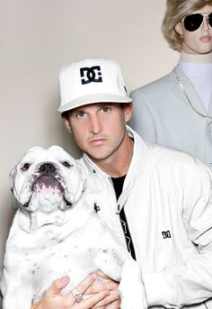Rob Dyrdek (in a cool white outfit) with Meaty and Bobby Light Manikin Famous Celebrities, Celebs, Rob Dyrdek, Olde English Bulldogge, Bullen, Thor, Cuddle Buddy, Make Her Smile, Big Love