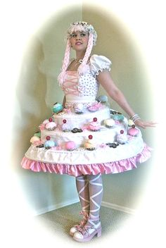 Hansel & Gretel. Gretel Costume. Self-Invented Pattern. Summer 2013. #Hansel #Gretel #FairyTale #Costume #Sewing #DIY #Cupcake #Dress